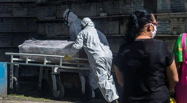 Boletim da sexta-feira: Brasil alcança a trágica marca de 153 mil mortes pela covid-19