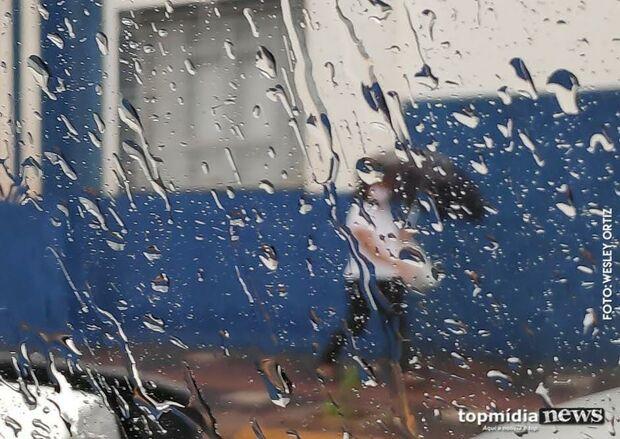 Após onda de calor, chuva deve retornar forte com raios e granizo em MS