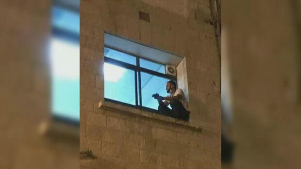 Palestino que escalou muro de hospital para ver mãe roubou cadáver para seguir tradição islâmica