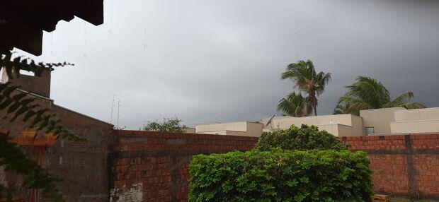 Domingou! Já chove em alguns bairros de Campo Grande
