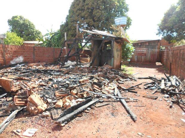 Dupla provoca incêndio em local de assassinato em MS