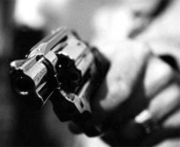 Bandido assalta mercearia e tenta enganar a polícia, na Capital