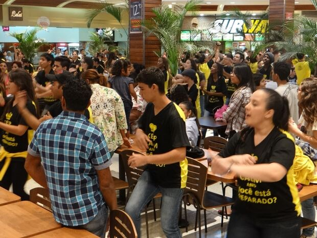 Mais de 200 dançarinos realizaram Flash Mob no último final de semana