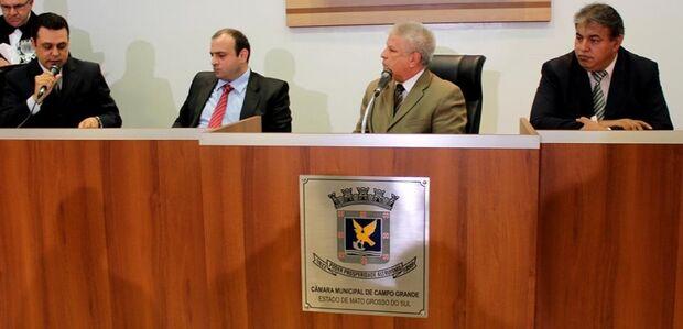 Vereadores recorrem e justiça autoriza continuidade de depoimentos