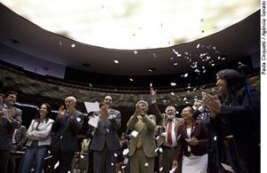 Congresso anula sessão que afastou Jango e abriu caminho para o Golpe de 1964