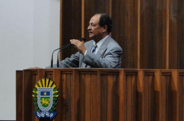 Deputado Zé Teixeira usa tribuna para falar sobre conflitos indígenas
