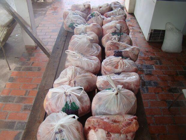 Idosa é presa com 90 kg de filé de pescado armazenado irregularmente
