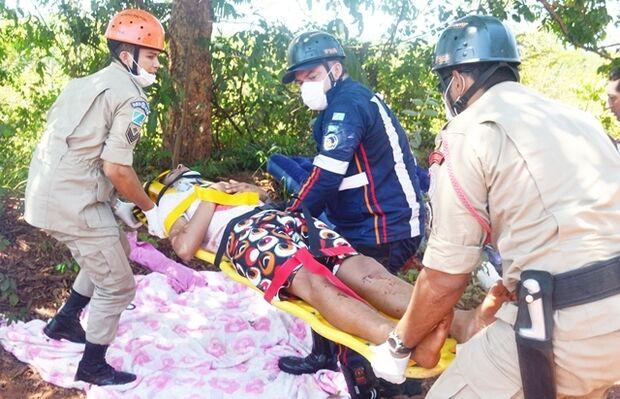Mulher e dois sobrinhos ficam feridos em capotamento na MS-223, na zona rural de Coxim