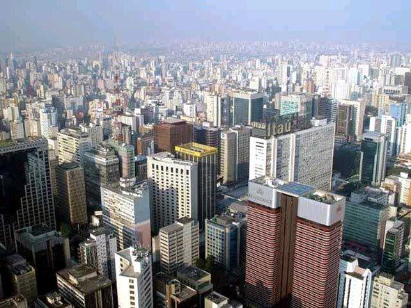Brasil sobe 23 posições entre melhores países para negócios