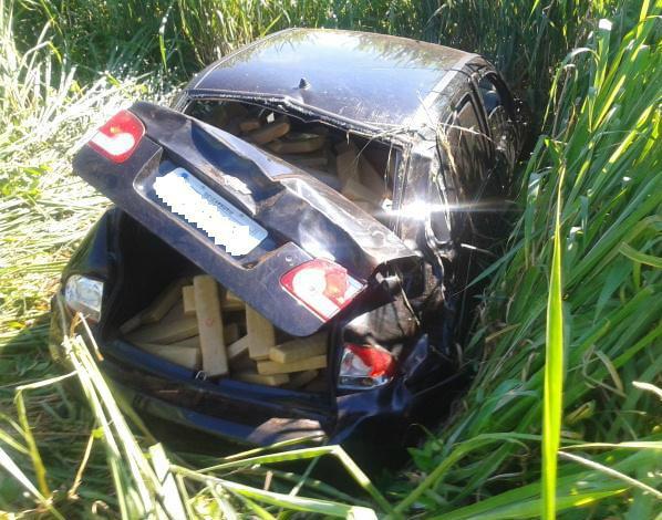 Veículo carregado com maconha é encontrado abandonado em rodovia