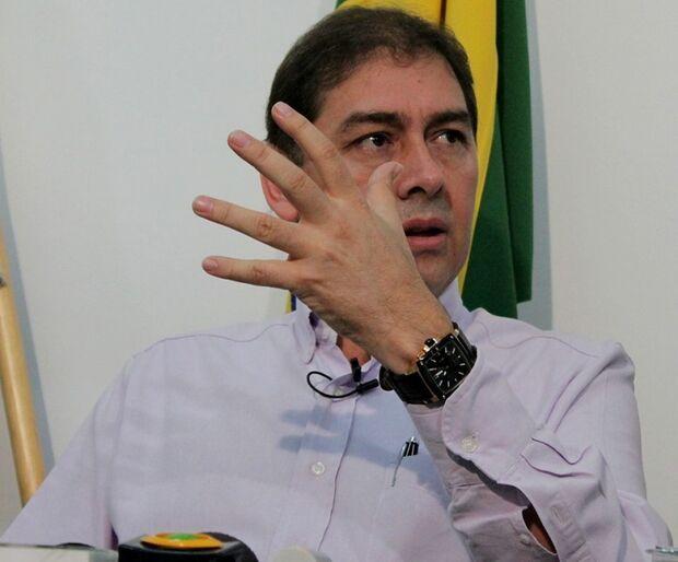 Decisão de juiz comprova jogada política, diz Bernal