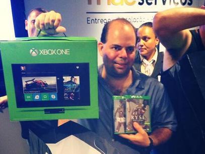 Montado no Brasil, Xbox One é lançado no País por R$ 2,3 mil