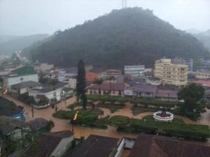 Quase 25 mil pessoas deixam suas casas por causa da chuva no Espírito Santo