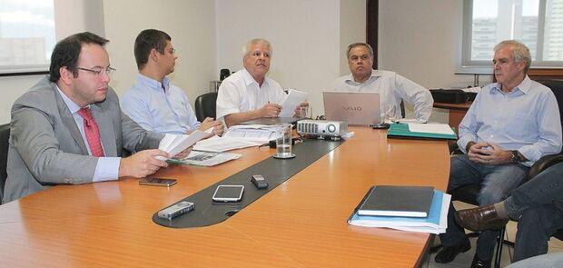 Vereadores se reúnem com titular da Semre e esclarecem dúvidas sobre IPTU