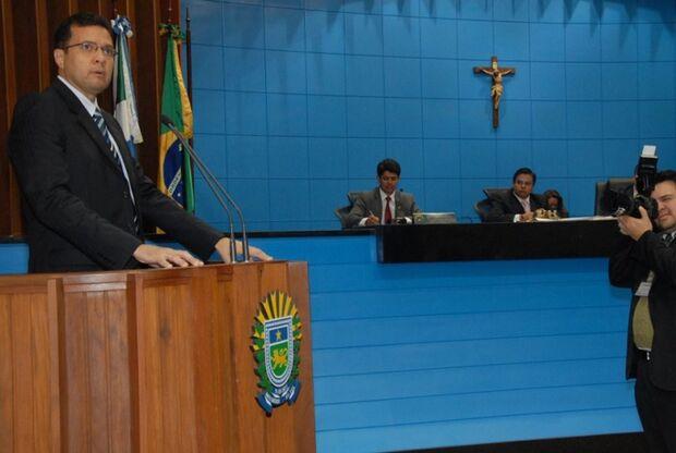 Em nota, Julio Cesar  afirma que está disposto a apurar possíveis irregularidades de sua gestão