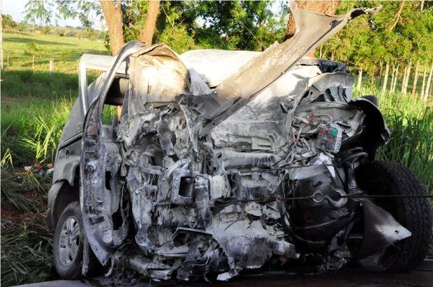 Alta velocidade provoca duas vítimas fatais na BR-267