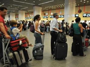 Receita reforça fiscalização em voos internacionais no fim de ano