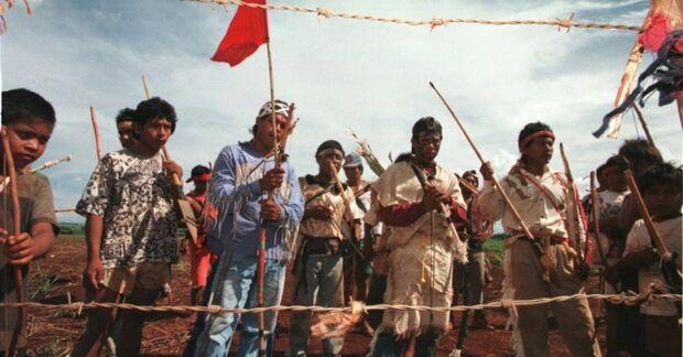 Índios Guarani-Kaiowá invadem estância Varago em Japorã