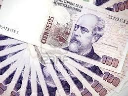 Argentina enfrenta crise cambial e tem queda histórica recorde
