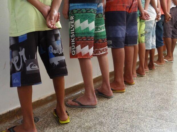 Polícia fecha boca de fumo chefiada por adolescentes em Dourados