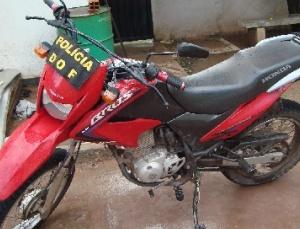 DOF apreende carro roubado em Corumbá