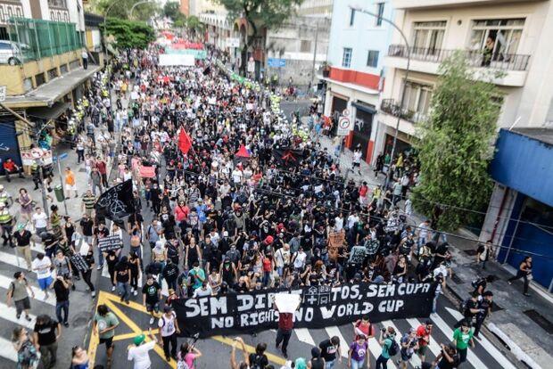 Denúncias de agressões a jornalistas em protesto serão apuradas, diz secretário