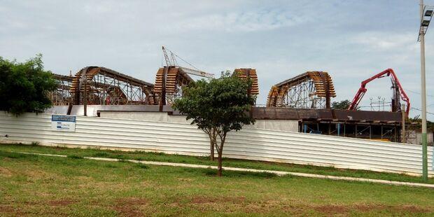 Aquário do Pantanal começa a receber estrutura metálica