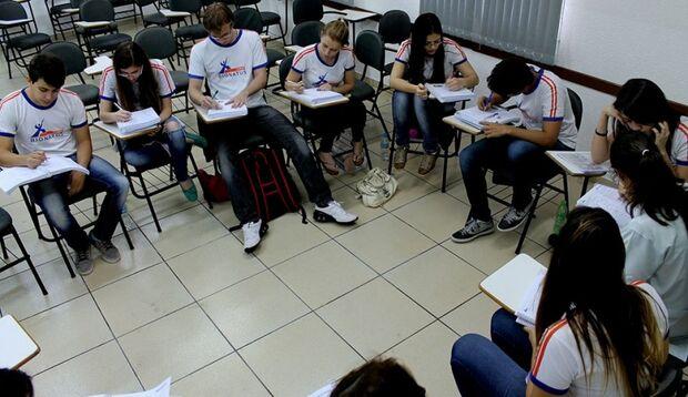 Escolas de Campo Grande intensificam preparação na reta final do Enem