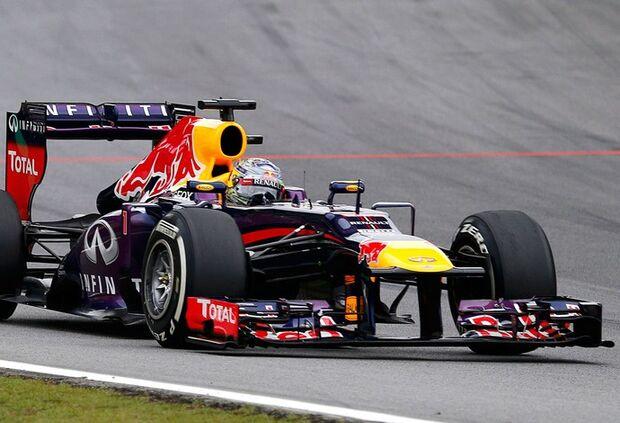 Vettel vence em SP e iguala recordes na Fórmula 1