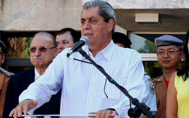 André reafirma que não se candidatará em 2014