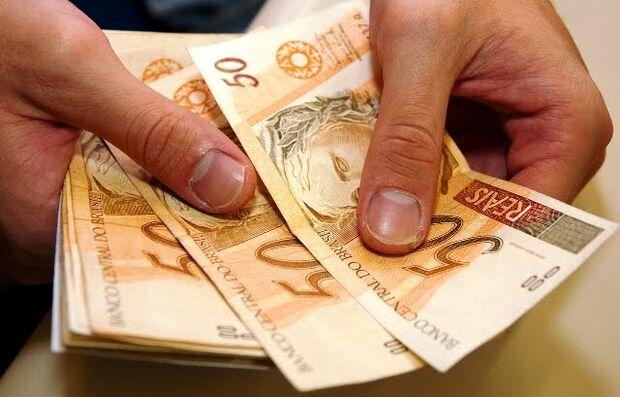 Dilma confirma salário mínimo de R$ 724
