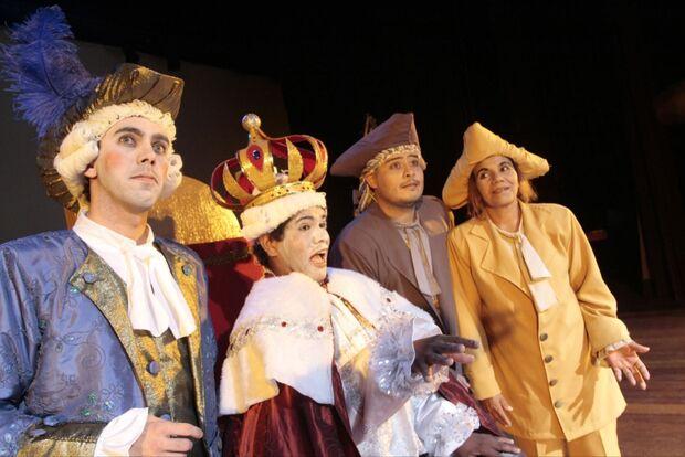 Grupo Unicórnio é uma das atrações da Cidade do Natal nesta terça