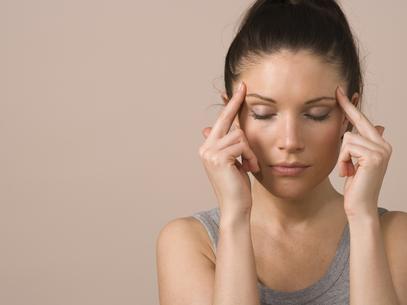 Mascar chiclete pode causar dor de cabeça, diz estudo