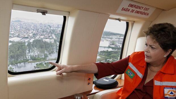 Presidente Dilma vê situação do Espírito Santo que já marca 14 mortos