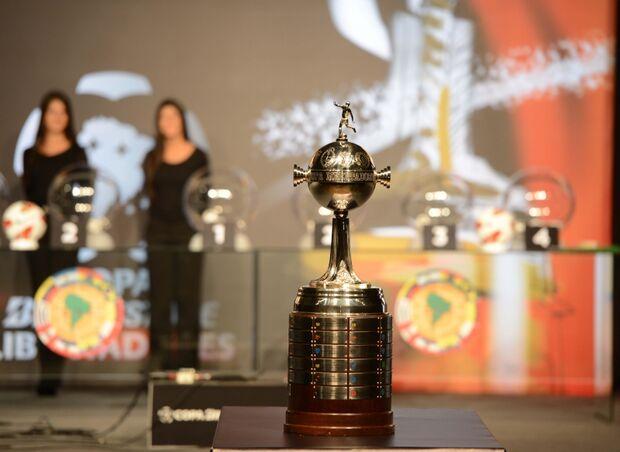 Brasileiros encaram novo desafio na Libertadores nesta terça