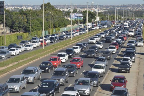 Brasil renova acordo automotivo com a Argentina até 2020