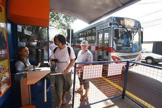 Praça Ary Coelho passará a ser estação exclusiva de ônibus executivos