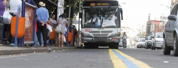 Tarifa de ônibus não subirá, diz diretora da Agetran