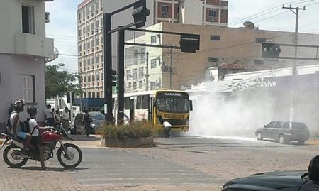 Ônibus da linha Corumbá-Ladário tem princípio de fogo e assusta passageiros
