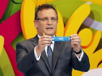 Revenda ilegal de ingressos da Copa faz FIFA ficar em alerta
