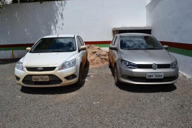 Polícia da Capital apreende dupla com dois veículos roubados em Goiânia