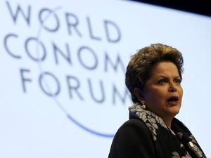Oposição cobra explicações sobre parada de Dilma em Portugal