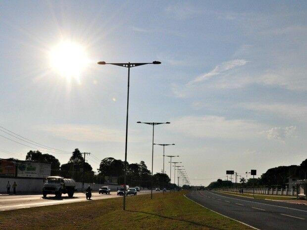 Manhã com sol e possibilidades de chuvas ao longo do dia