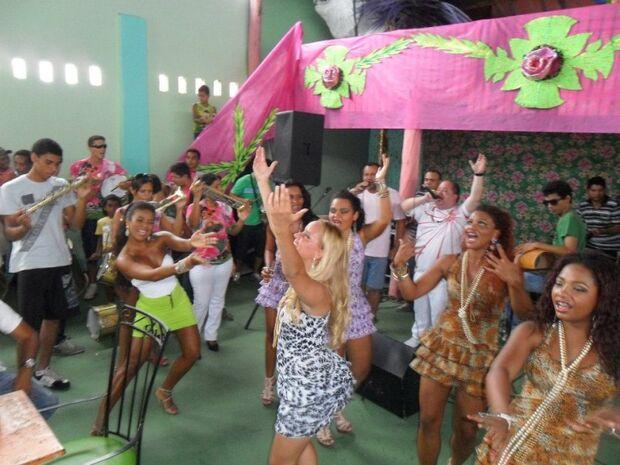 Unidos da Vila Carvalho divulga enredo para o carnaval 2014
