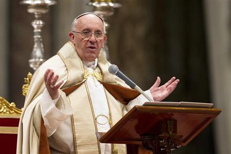 """Papa ataca """"tirania dos mercados"""" e pede renovação da Igreja"""