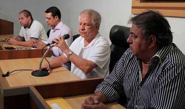 Vereadores decidem destino de Bernal nesta quinta-feira