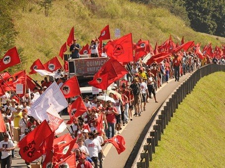 Invasões de grupos sem-terra diminuem em 33%, afirmam movimentos sociais