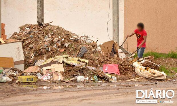 Projeto de lei em Corumbá irá multar em R$ 100 reais quem jogar lixo na rua