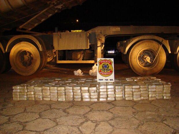 Polícia apreende 406kg de cocaína na BR-262