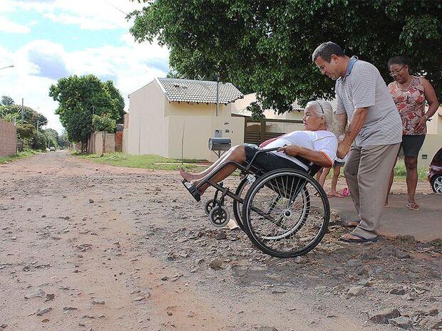 Moradores do Los Angeles reclamam da falta de acessibilidade na UBSF